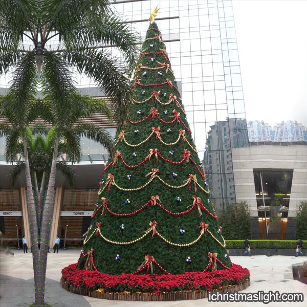 Outdoor decorated big christmas trees ichristmaslight Large decorated christmas trees