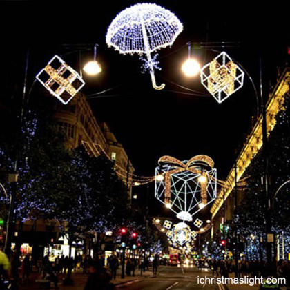 Outdoor holiday decorations street lights
