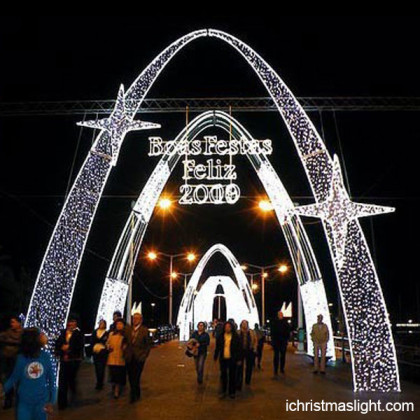 Outdoor christmas decoration lighted arch